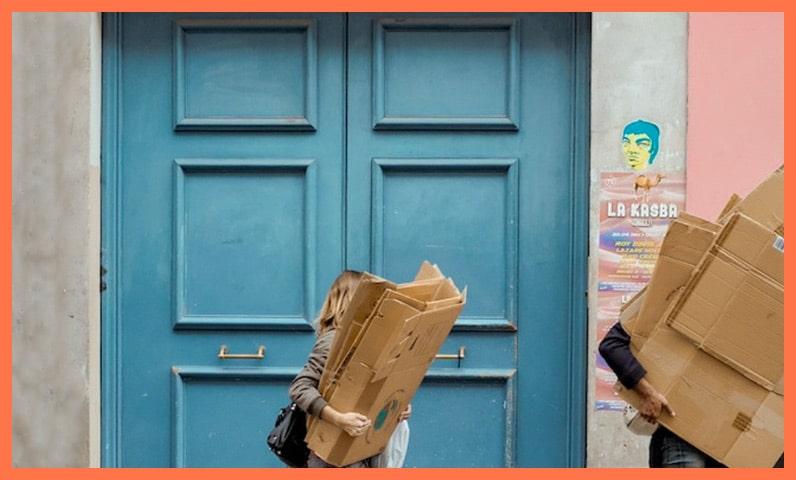 femme cartons rue Kiute Pro